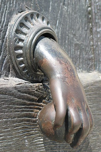 Charmant HandKnocker A98406_door Knocker_5 Hand Blackandwhitedoorhandle  450px Heurtoir_Orléans_mai_2008