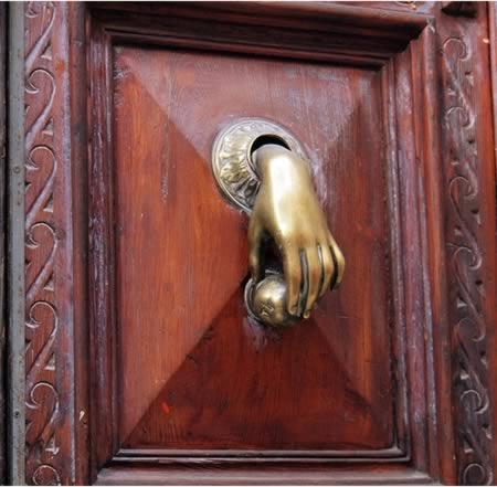 HandKnocker A98406_door Knocker_5 Hand Blackandwhitedoorhandle  450px Heurtoir_Orléans_mai_2008