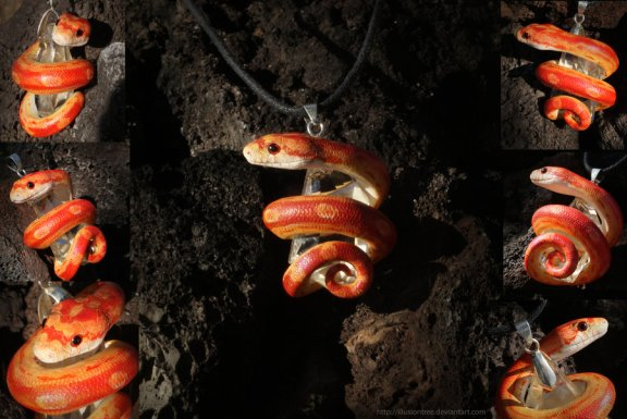 strawberry_motley_corn_snake_necklace_by_illusiontree-d5e1fkw